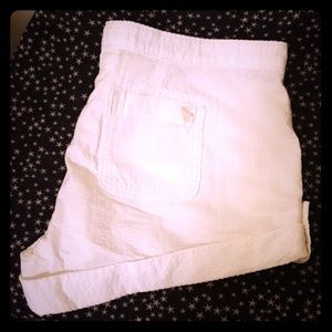 ABERCROMBIE AND FITCH WOMEN'S 4 SHORTS